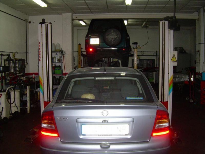 vehiculos en reparacion
